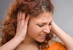 Причины боли в ушах